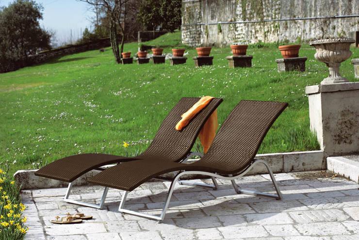 modern  by Rattania GmbH, Modern