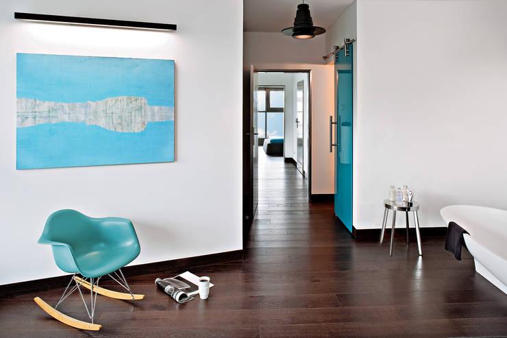 Industrialny Loft : styl , w kategorii Korytarz, przedpokój zaprojektowany przez justyna smolec architektura & design