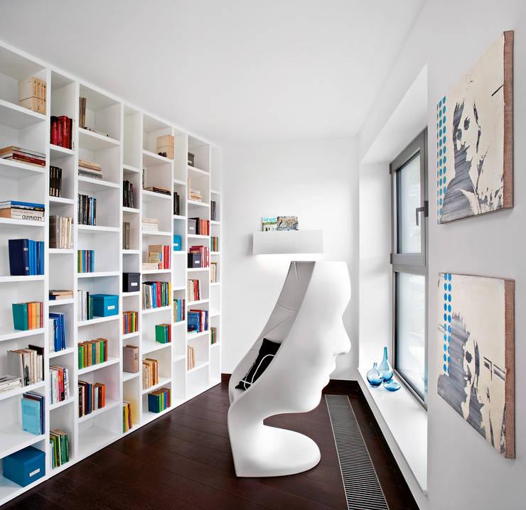Industrialny Loft : styl , w kategorii Domy zaprojektowany przez justyna smolec architektura & design