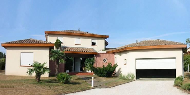 BIEN ETRE: Maisons de style de style Méditerranéen par MFP ARCHITECTEURS