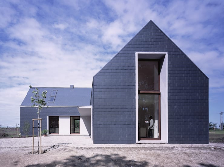 moderne Häuser von PAG Pracownia Architektury Głowacki