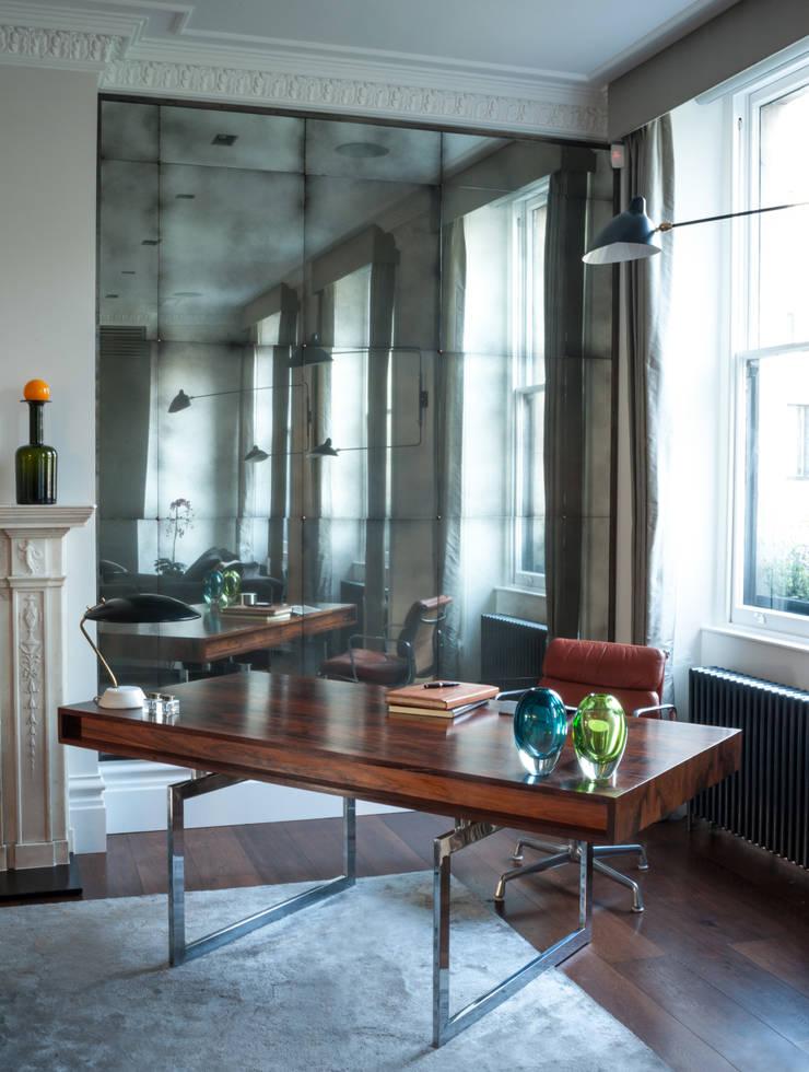 Living Area Alcoves:  Living room by Rupert Bevan Ltd