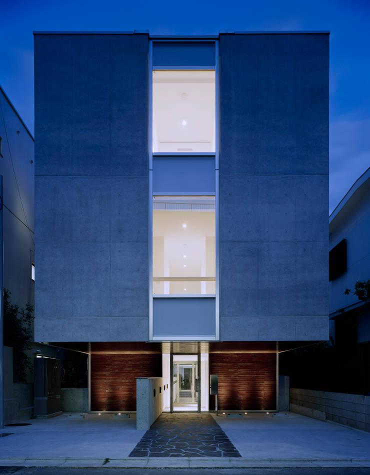 北側の外観: 久保田章敬建築研究所が手掛けたオフィスビルです。