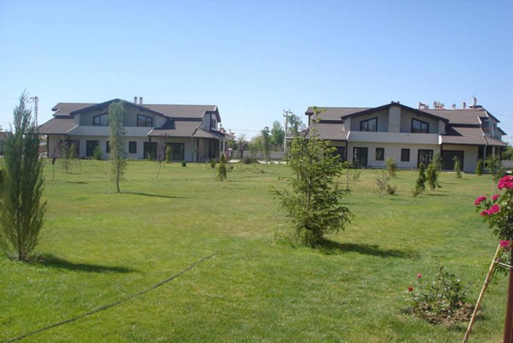 modern Garden by Tulya Evleri