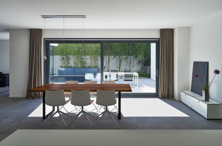 Wohnhaus_S:  Esszimmer von Fachwerk4 | Architekten BDA