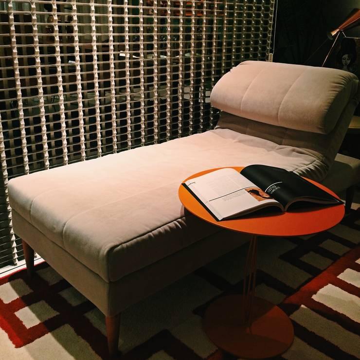 HOME+OFFICE+HOME por Fabio Pantaleão Arquitetura+Interiores Eclético