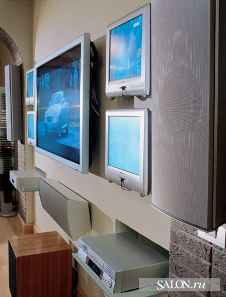 Мультимедиа комната: Медиа комнаты в . Автор – Креативные Инженерные Решения, Эклектичный
