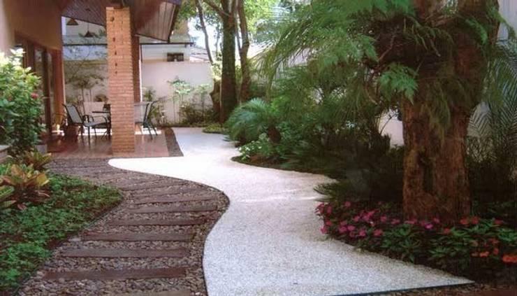 Jardim residencial: Jardins  por A Varanda Floricultura e Paisagismo