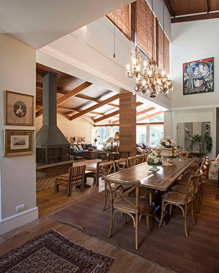 Residencia AO Salas de jantar campestres por Saspadini e Schlavon Campestre
