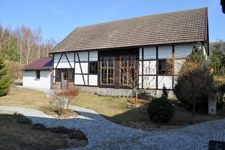 Двускатные крыши в . Автор – Grzegorz Popiołek Projektowanie Wnętrz