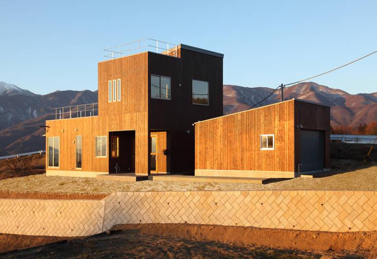 東側外観: office.neno1365が手掛けた家です。