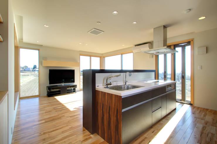 キッチン: office.neno1365が手掛けたキッチンです。