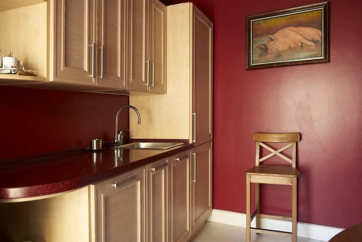 Офис в старинном московском особняке: Кухня в . Автор – Irina Tatarnikova
