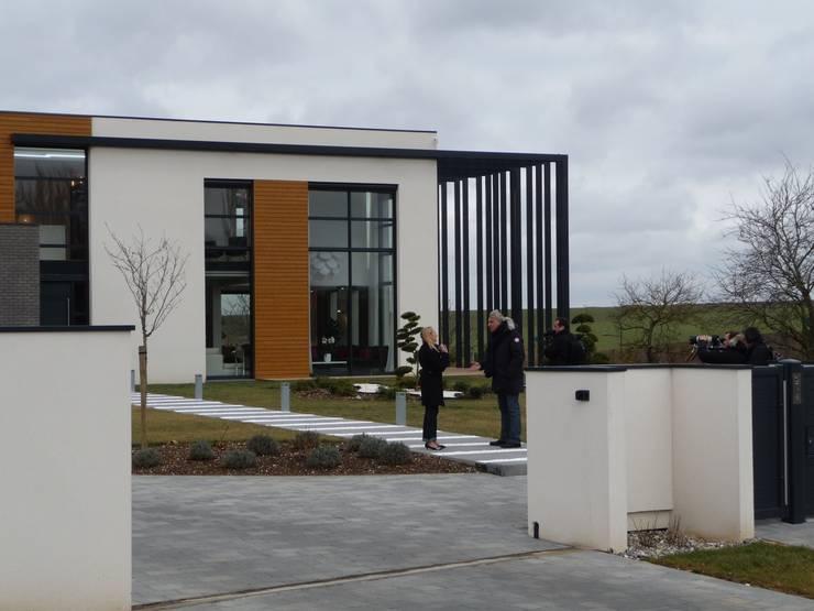pendant le tournage de la Maison France 5: Maisons de style  par Emilie Bigorne, architecte d'intérieur CFAI