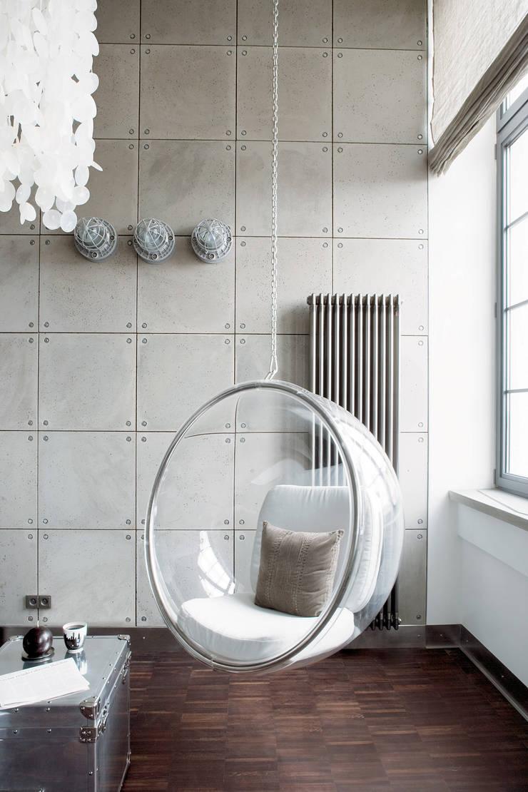 Lofty de Girarda, Żyrardów, fot. Hanna Długosz: styl , w kategorii Salon zaprojektowany przez justyna smolec architektura & design