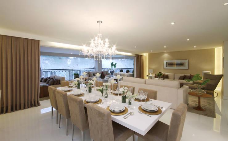 MAC_Piazza Suprema 283m²: Salas de jantar  por Chris Silveira & Arquitetos Associados