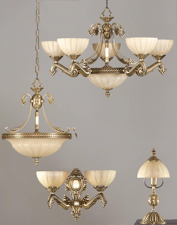 Luminarias de fundición de latón.:  de estilo  de Vidrios Granada SL, Clásico