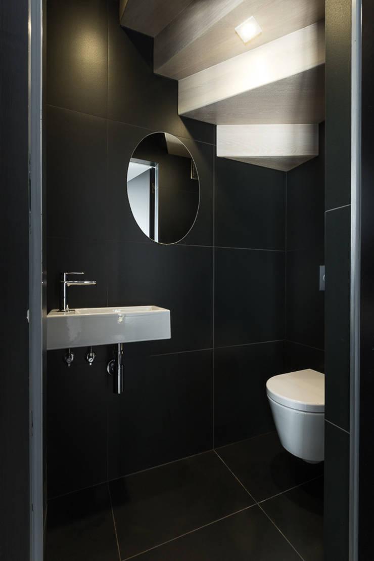miniszyk: styl , w kategorii Łazienka zaprojektowany przez unikat:lab
