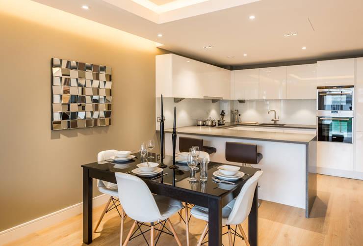 Kitchen/Dining area Comedores de estilo escandinavo de In:Style Direct Escandinavo