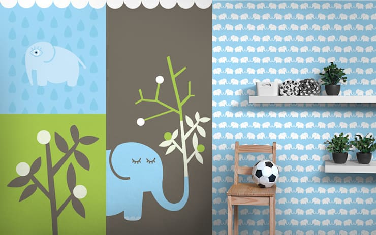 Fototapete & Tapete (hellblau) Elephants, for him:  Kinderzimmer von Designstudio DecorPlay