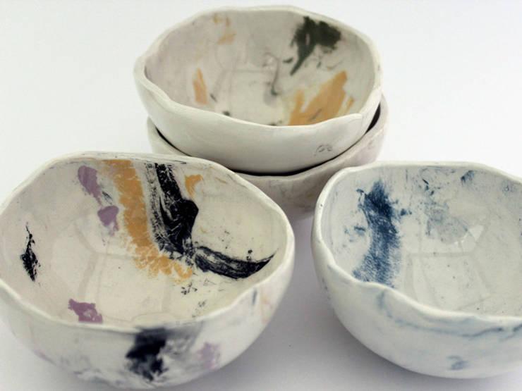 Handmade ceramic bowls: Casa  por Lagrima - Handmade ceramics