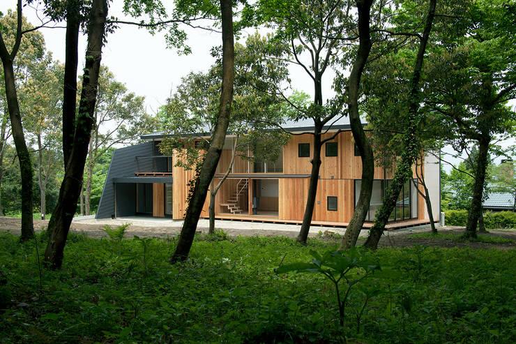 House-Sim: 伊藤憲吾建築設計事務所が手掛けた家です。,モダン