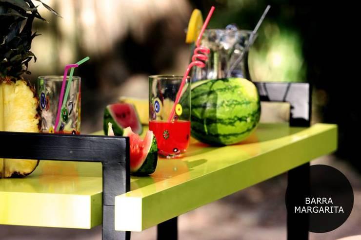 Muebles de estilo Panal: Jardines de estilo escandinavo por PANAL