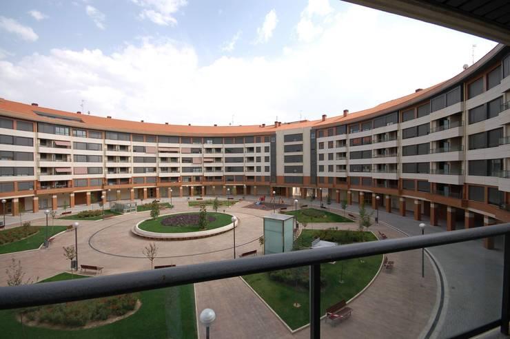 193 Viviendas en Logroño: Casas de estilo  de BR&Co arquitectos, Moderno