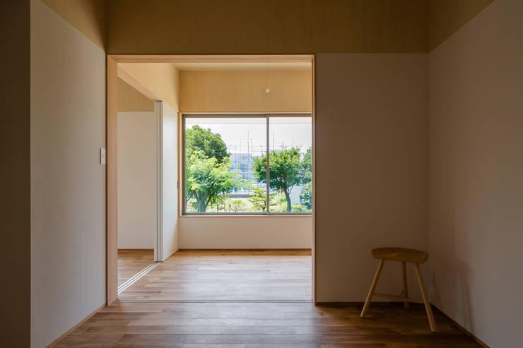 House in Hashie: 矢内建築計画 一級建築士事務所が手掛けた寝室です。