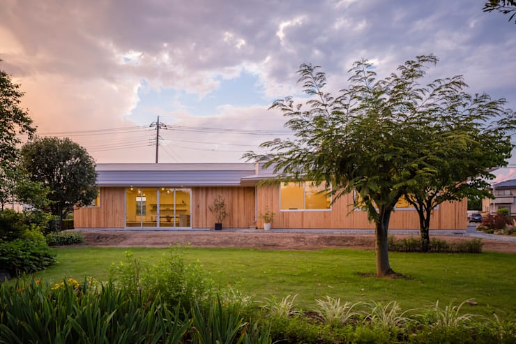 Casas de estilo  por 矢内建築計画 一級建築士事務所