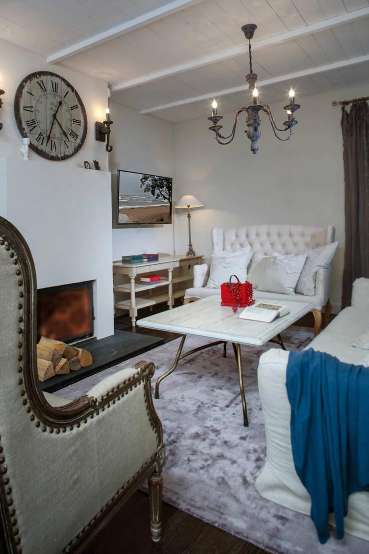 Living room by Мария Бекетова  Света Лапина, Country