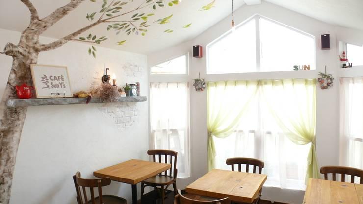 Restaurantes de estilo  por 有限会社 八幡工業 ナチュラワイズ