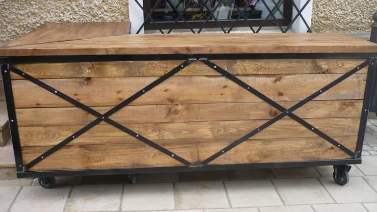 Lada sklepowa: styl , w kategorii Piwnica win zaprojektowany przez Sklep Steel&Wood
