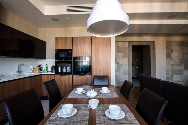 Кухня-столовая: Кухни в . Автор – ORT-interiors, Минимализм