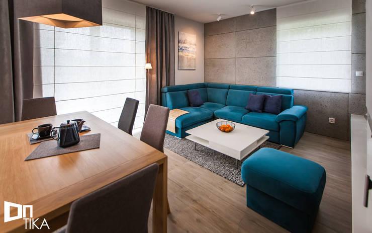 Wnętrze domu, Bestwina: styl , w kategorii Salon zaprojektowany przez TIKA