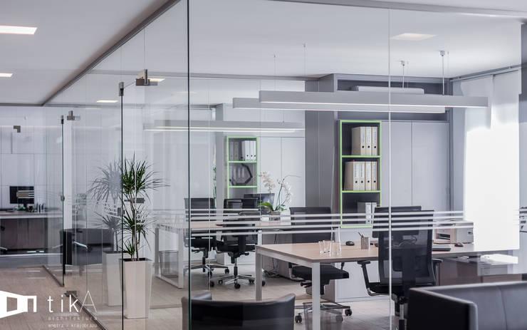 Wnętrze biura, Nowa Wieś: styl , w kategorii Biurowce zaprojektowany przez TIKA