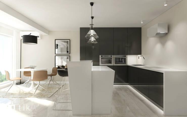Wnętrze apartamentu, Kęty: styl , w kategorii Kuchnia zaprojektowany przez TIKA