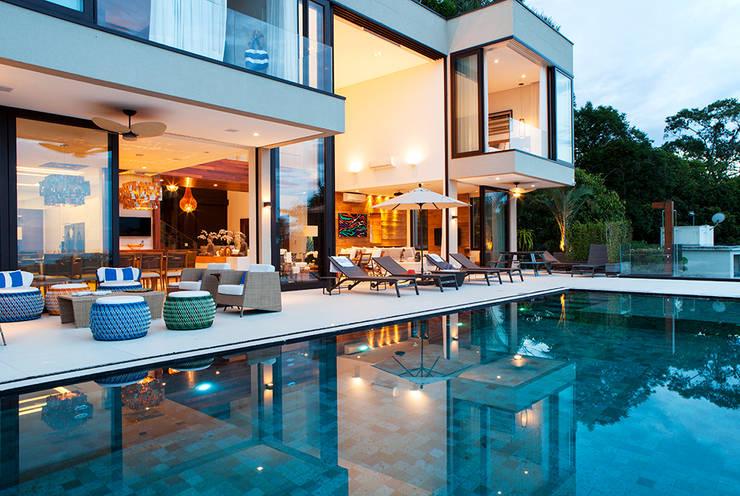 Terrasse de style  par Infinity Spaces