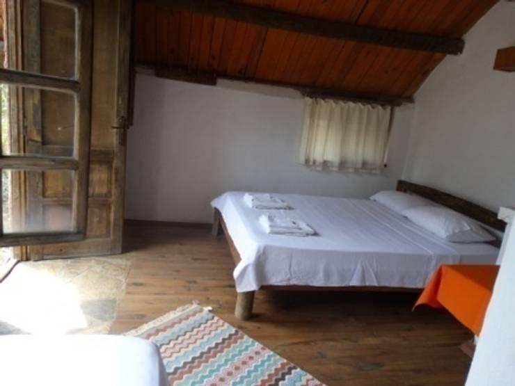 Simurg Evleri Pansiyon – Simurg Evleri:  tarz Yatak Odası, Modern