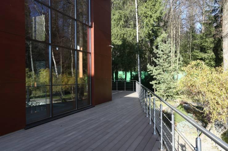 Фасад бассейна: Дома в . Автор – ORT-interiors