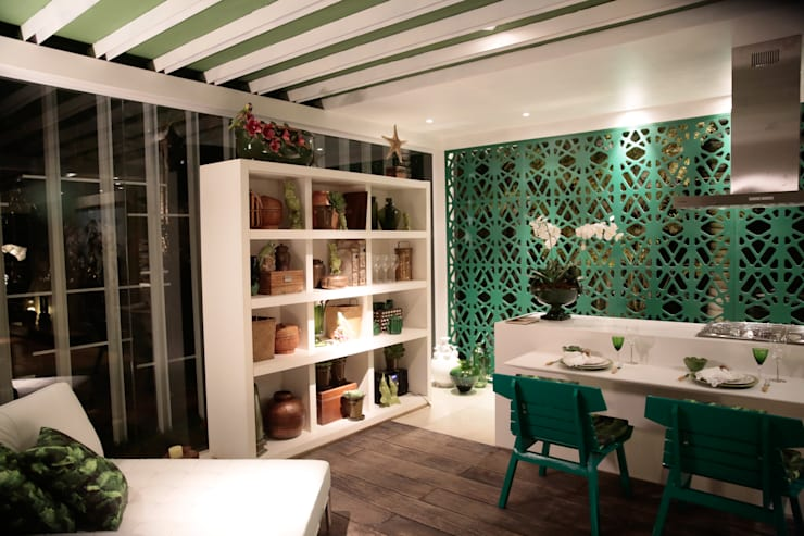 Jantar e cozinha americada integrada: Salas de jantar  por DUPLA ARQUITETURA ESTRATÉGICA