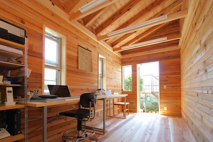 ちっちゃな木屋: Team Bean 政建築設計事務所が手掛けた和室です。