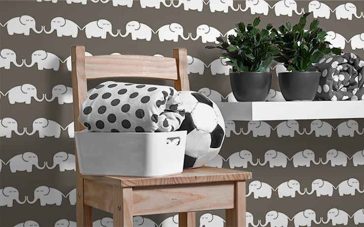 ​Tapete Elephant, for him (graubraun): moderne Kinderzimmer von Designstudio DecorPlay