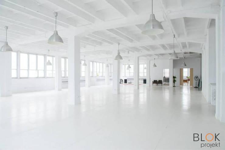 Jasna Sprawa Studio: styl , w kategorii Domowe biuro i gabinet zaprojektowany przez Blok projekt,Industrialny