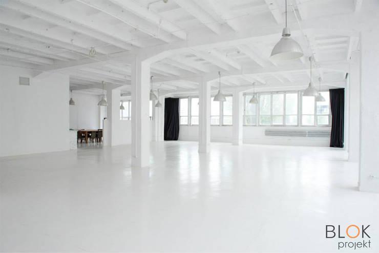 Jasna Sprawa Studio: styl , w kategorii Domowe biuro i gabinet zaprojektowany przez Blok projekt,Skandynawski