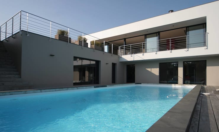 modern Pool by LE LAY Jean-Charles