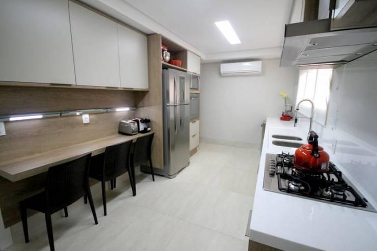 Cozinha - C H: Cozinhas  por Carolina Fagundes - Arquitetura e Interiores