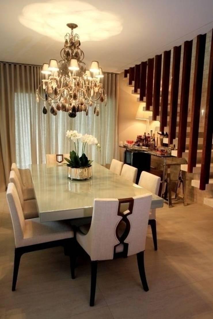 Sala de Jantar - C|H: Salas de jantar clássicas por Carolina Fagundes - Arquitetura e Interiores
