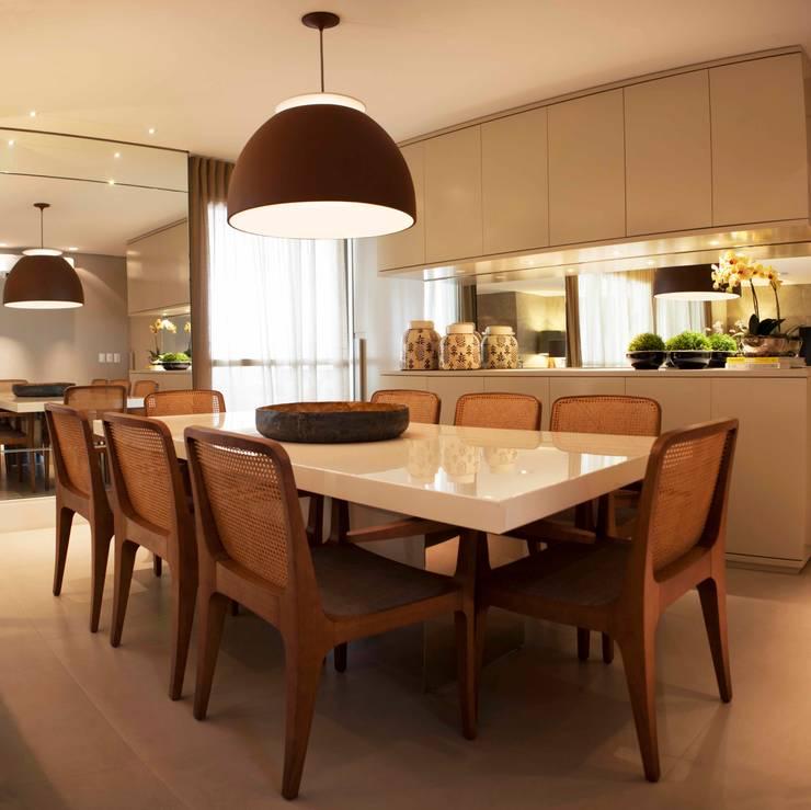 Sala de Jantar - J|K: Salas de jantar  por Carolina Fagundes - Arquitetura e Interiores