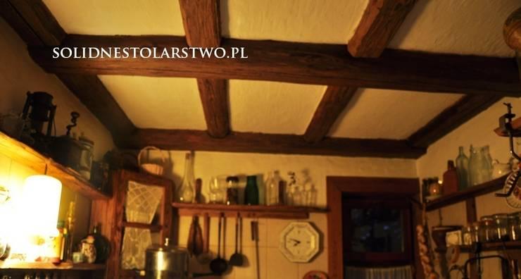 Zdobienia sufitów: styl , w kategorii Kuchnia zaprojektowany przez Zakład Stolarski Robert Latawiec